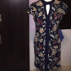 Roz & Ali dark blue paisley dress. Size 6 Petite.